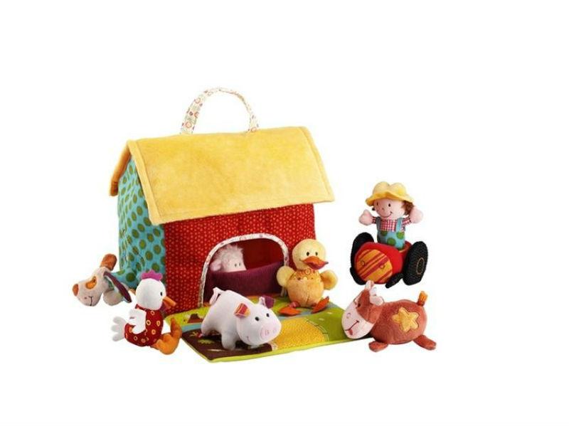 materiałowy domek dla lalek